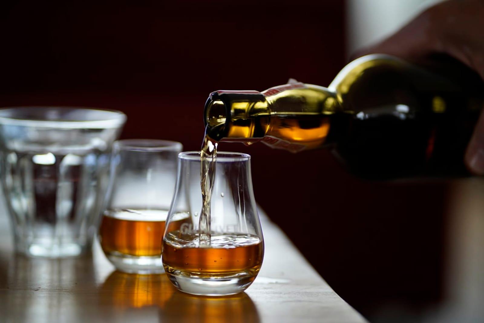 Sa., 20. Juni = regulärer Pubbetrieb  das Tasting im hinteren Bereich fällt aus: