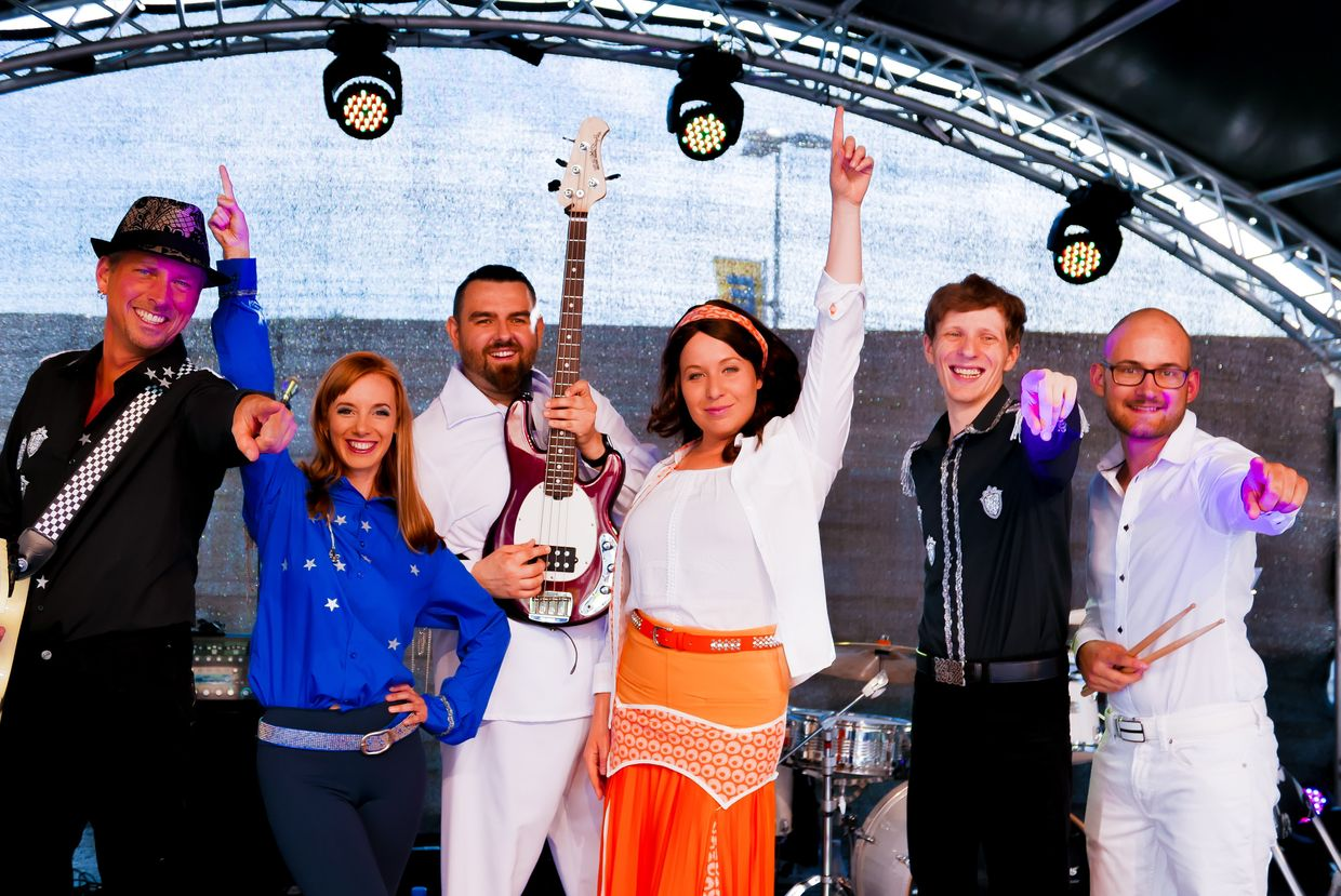 Voulez Vous - The Abba Forever Tribute Concert
