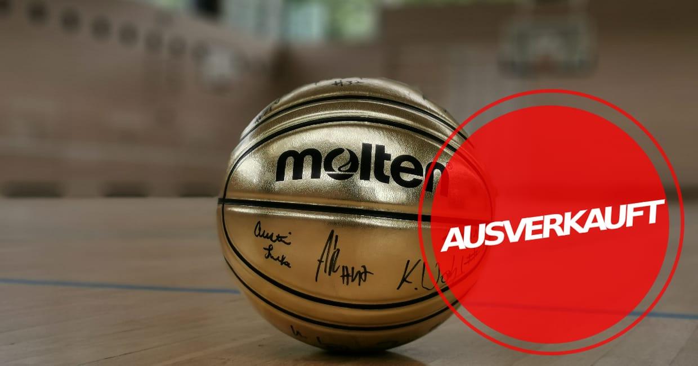 Goldener MOLTEN-Basketball, handsigniert