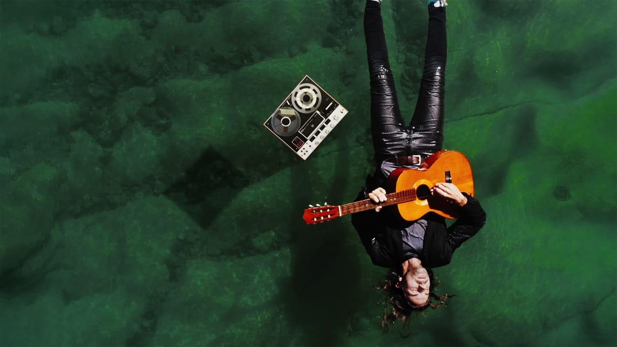 FLORIAN OSTERTAG (Singer -/Songwriter)